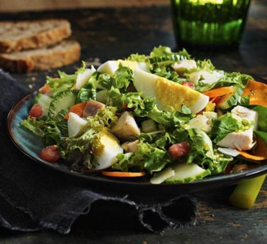 Salade du chef (Groupe CNW/Producteurs d'oeufs du Canada)