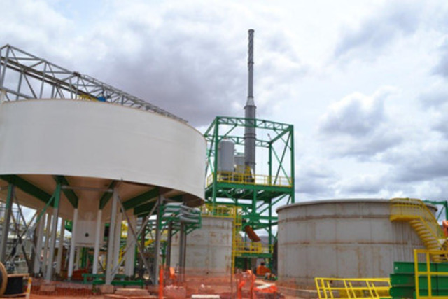 Picture 7: Leaching System with Filtrate Tank and Scrubber in place (CNW Group/Largo Resources Ltd.)