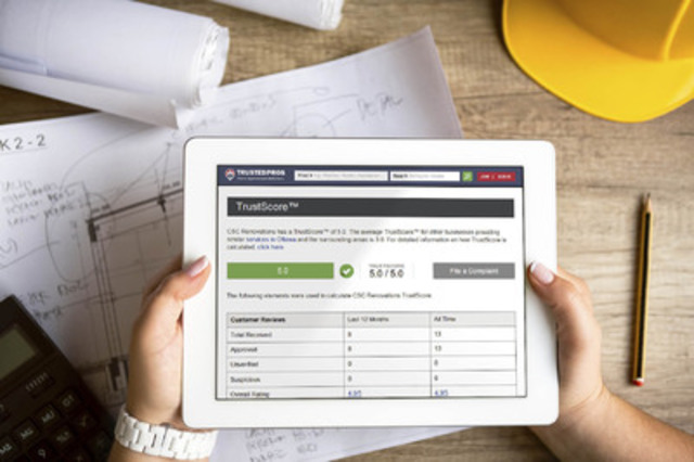 Homeowner evaluates a contractor using the TrustScore® system (CNW Group/TrustedPros Inc.)