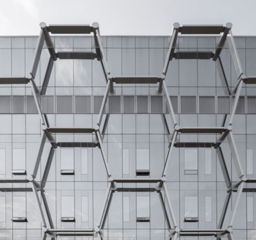 Hexagonal honeycomb lattice detail on Quantum Nano Centre's exterior façade is inspired by the hexagonal carbon structure of the nanotube. (CNW Group/Kuwabara Payne McKenna Blumberg Architects)