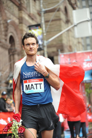 Toronto's Matt Loiselle was the first Canadian male to finish the Scotiabank Toronto Waterfront Marathon, with a time of 2:16:23. Photo credit: Todd Duncan. (CNW Group/Scotiabank - Sponsorships & Donations)