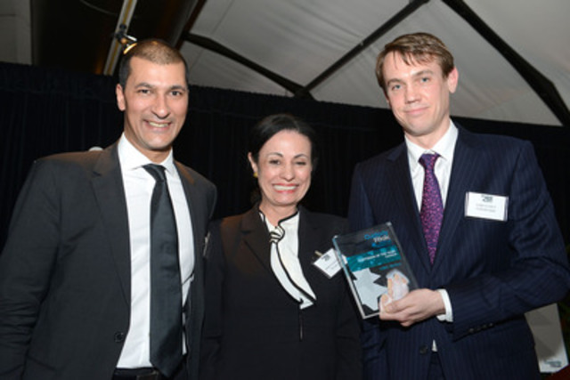 "Alistair Almeida, vice president, business development and relationship management, CIBC Mellon, and Marcia Nascimento, vice president, US financial institutions, BNY Mellon were on hand in New York to accept CIBC Mellon's 2013 ""Custodian of the Year: Canada"" award from Custody Risk Magazine editor Luke Clancy. (CNW Group/CIBC Mellon)"