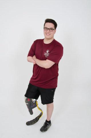Jeffrey, 17 ans a inspiré sa famille et ses amis à participer. Ensemble, ils désirent amasser 10 000 $ pour l'Hôpital. (Groupe CNW/Hôpital Shriners pour enfants)