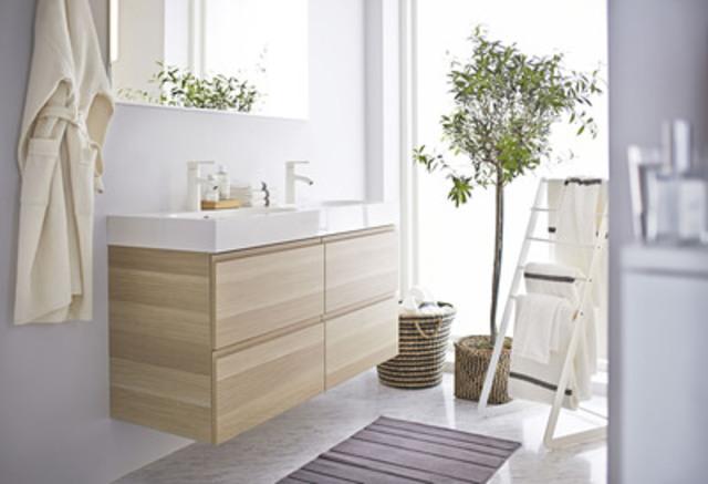 Meuble pour lavabo, 4 tiroirs, GODMORGON/BRÅVIKEN (Groupe CNW/IKEA Canada)