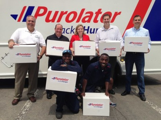 (from left to right) Chris Hatch, Executive Director, Mississauga Food Bank; Mike Boucher, Chief Operations Officer, Purolator; Deb Craven, Chief Financial Officer; Chris Schultz, TSN host; Mike Coté, Chief Commercial Officer; Shane Brown, Courier and Kadian Lecky, Courier (in front) tackling hunger during Purolator Tackle Hunger Week. (CNW Group/Purolator Inc.)