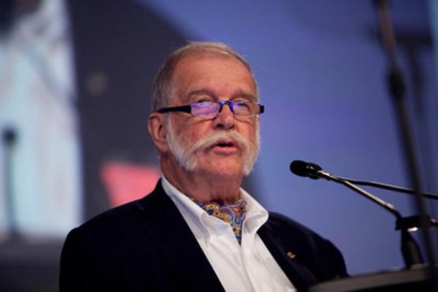 Le nouveau président, le Dr Granger Avery, trace la voie d'une approche collaborative pour l'avenir des soins de santé (Groupe CNW/Association médicale canadienne)