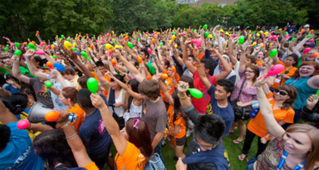 Over 500 Ryerson University students attempt to break the Guinness World Record for the largest maracas ensemble to the popular tune, La Bamba. (CNW Group/Ryerson University)