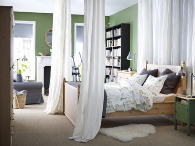 NOUVEAU! Structure de lit HURDAL (Groupe CNW/IKEA Canada)