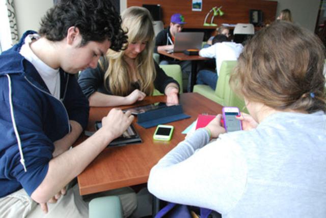 Dans le cadre du Colloque sur les applications mobiles organisé par le Cégep Gérald-Godin en avril dernier, le Cégep a fait appel à TECHNOCompétences pour la réalisation d'une étude sur les besoins de compétences dans le développement d'applications mobiles. Le Cégep Gérald-Godin offre diverses formations pour répondre à ces besoins de compétences. (Groupe CNW/Cégep Gérald-Godin)