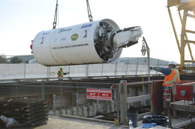 'Chip' readied for lowering into Billy Bishop Toronto City Airport Pedestrian Tunnel shaft (CNW Group/Toronto Port Authority)
