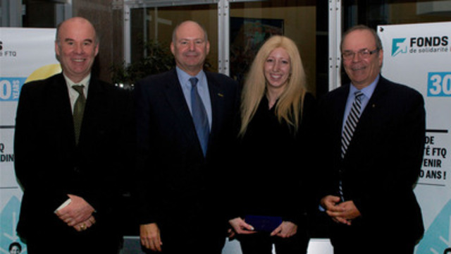 From right to left: Denis Leclerc, executive vice-president for shareholder services of the Fonds, Yvon Bolduc, president and CEO of the Fonds, Michelle d'Errico of Montréal-Nord, the Fonds's 600 000 shareholder, and Michel Arsenault, chairman of the board of the Fonds and president of the FTQ (CNW Group/Fonds de solidarité FTQ)