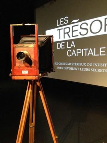 La caméra sur trépied ayant appartenu aux Livernois, cette célèbre famille de photographes de Québec. © CCNQ, Geneviève Clavet (Groupe CNW/Commission de la capitale nationale du Québec (CCNQ))