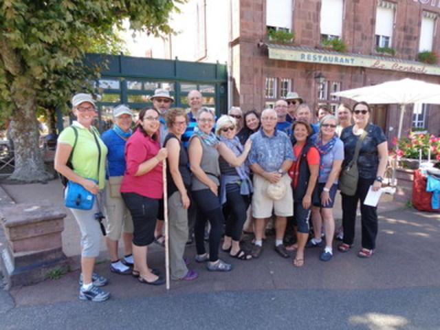 Compostelle en tandem, une marche des plus significative - 40 000 $ amassés pour soutenir les personnes atteintes de cancer (Groupe CNW/Fondation québécoise du cancer)