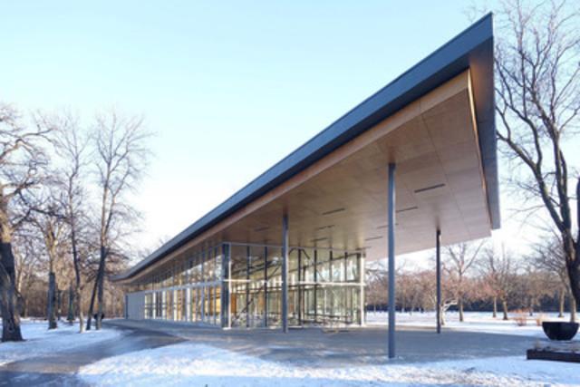 St. Vital Park Pavilion - Image courtesy of Lisa Stinner-Kun (CNW Group/Wood WORKS! Alberta)