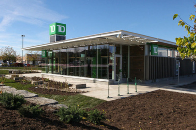 TD has opened an environmentally sustainable branch in the city of Mississauga, delivering legendary customer service in a space that encourages comfortable customer interactions. (CNW Group/TD Bank Group)