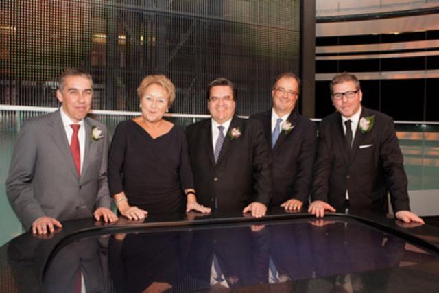 De gauche a droite : le ministre des Finances et de l'Économie, M. Nicolas Marceau, la première ministre, Mme Pauline Marois, le maire de Montréal, M. Denis Coderre, le président et chef de la direction de Loto-Québec, M. Gérard Bibeau, et le ministre délégué au Tourisme, M. Pascal Bérubé. (Groupe CNW/CASINO DE MONTREAL)