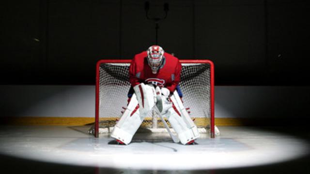 Les équipes de catégorie d'âge Bantam peuvent s'inscrire au www.canadiens.com/contreattaque pour courir la chance de jouer dans la Coupe Armour, un jeu réglementé qui se tiendra au Centre Bell, présenté par Under Armour et le programme de développement du hockey mineur des Canadiens de Montréal. (Groupe CNW/Under Armour, Inc.)