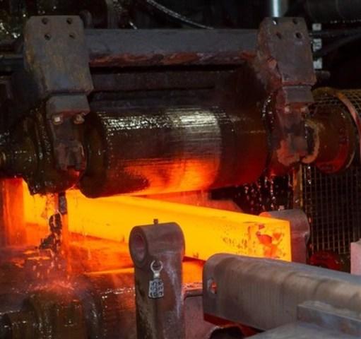 Activités de laminage d'acier au laminoir de Longueuil d'ArcelorMittal Montréal, qui fera l'objet d'un investissement de 27 millions de dollars. (Groupe CNW/ArcelorMittal Montréal)