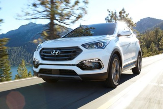 The 2017 Hyundai Santa Fe Sport, when equipped with optional front crash prevention, has earned a TOP SAFETY PICK+ award from the U.S.-based Insurance Institute for Highway Safety. (CNW Group/Hyundai Auto Canada Corp.)