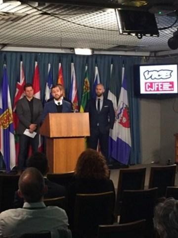 Des journalistes demandent au gouvernement de protéger la liberté de presse au Canada (Groupe CNW/Canadian Journalists for Free Expression)