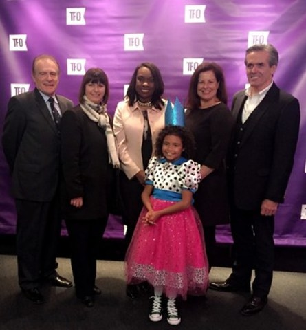 (from left to right) Norm Kelly, Councillor for the City of Toronto / Hon Marie-France Lalond, Minister Responsible for Francophone Affairs / Hon Mitzie Hunter, Minister of Education / Carole Beaulieu, Chair of Groupe Média TFO's Board of Directors / Glenn O'Farrell, Groupe Média TFO's President and Chief Executive Office Groupe Média TFO, and the little Frank during the inauguration of Groupe Média TFO's virtual universe laboratory (LUV) (CNW Group/Groupe Média TFO)
