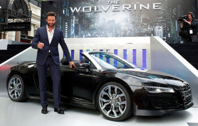 Hugh Jackman and the Audi R8 Spyder at The Wolverine premiere. (CNW Group/Audi Canada Inc.)