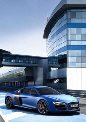 R8 (CNW Group/Audi Canada Inc.)