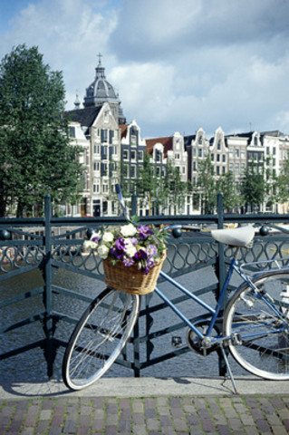 Maintain your fitness goals while soaking in the culture in the active city of Amsterdam (CNW Group/Hotels.com)