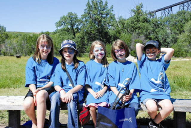 Children enjoying the sun at the 2010 Lethbridge Freedom Run. (CNW Group/The Cash Store Financial Services Inc.)