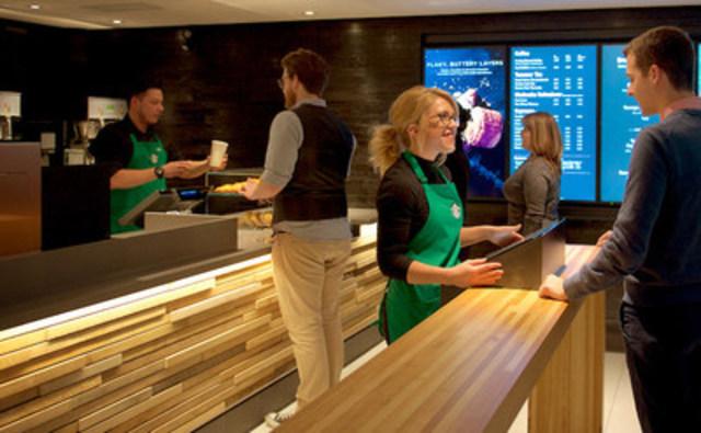 Starbucks ouvre un magasin offrant une expérience express à la gare Union Station (Groupe CNW/Starbucks Coffee Canada)