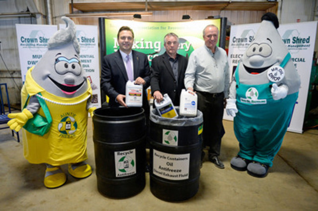 L-R : Auntie Freeze, Minister Cheveldayoff, SARRC Executive Director Phil Wrubleski, Crown Shred CEO Jack Shaw, Mr. Oil Drop (CNW Group/Saskatchewan Association for Resource Recovery Corp. (SARRC))