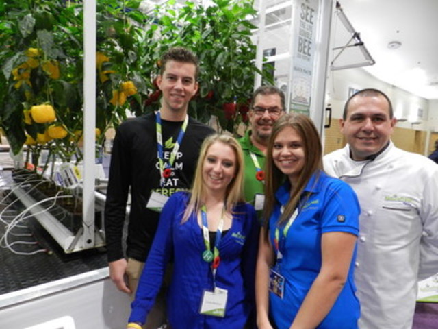 Nature Fresh team at The Royal Agricultural Winter Fair in Toronto (CNW Group/Royal Agricultural Winter Fair)