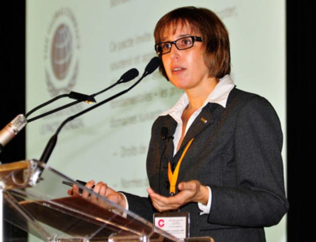 Anne-Josée Laquerre, M. Sc., ARP, pendant la conférence Au cœur de la responsabilité sociale de l'entreprise chez Bombardier (Groupe CNW/C, LE COLLOQUE ANNUEL DE LA SQPRP PAR LES JEUNES PROFESSIONNELS)