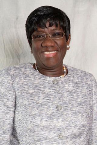 Mme Fatimata Dia, C.Q. (Groupe CNW/Cabinet du premier ministre)