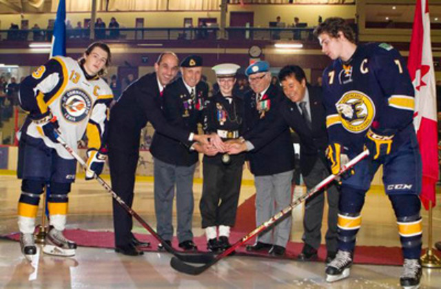 Minister Steven Blaney recently took part in a ceremonial puck drop during a local game of the Commandeurs de Lévis. The puck drop was organized to highlight Veterans' Week which runs from November 5th to the 11th (CNW Group/Veterans Affairs Canada)
