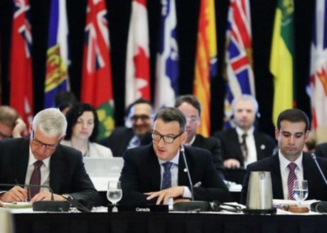 Le ministre des Ressources naturelles du Canada, l'honorable Greg Rickford, prononce l'ouverture de la Conférence des ministres de l'énergie et des mines, à Halifax, en Nouvelle-Écosse, le 20 juillet 2015. Les ministres ont parlé de l'importance d'une mise en valeur responsable des ressources pour l'emploi et la prospérité au Canada. (Groupe CNW/Ressources naturelles Canada)