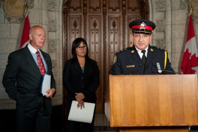 """On September 26, 2012, the Honourable Leona Aglukkaq, Minister of Health, joined by Senator Jean-Guy Dagenais and Staff Inspector Randy Franks of the Canadian Association of Chiefs of Police, announced the Government's move to make all activities involving MDPV, the drug commonly found in """"bath salts,"""" illegal, unless authorized by regulation. (CNW Group/Health Canada)"""