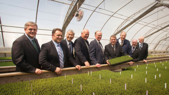Premier David Alward, ACOA Minister Rob Moore, Dr. Yil Sung Park, Minister Bruce Northrup, Dr. David Miller, Greg Adams JDI Research Manager, Jim Irving, Minister Bruce Fitch, Blake Brunsdon, JDI Chief Forester at Sussex NB greenhouse where new $3.2 million research lab will be built. (CNW Group/J.D. Irving, Limited)