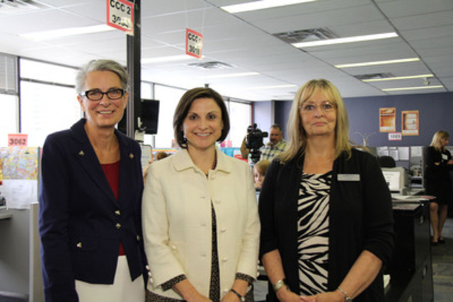 Shirley Purves, CEO, Aspen Family and Community Network Society; Gianna Manes, President and CEO, ENMAX Corporation; Joan Roy, Executive Director, Distress Centre. (CNW Group/ENMAX Corporation)