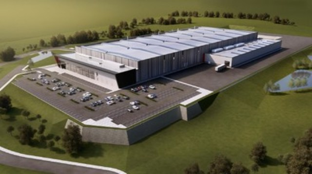 Magna announced it will build a world-class aluminum casting facility in Telford, United Kingdom, to support Jaguar Land Rover. Once production begins in 2018, the facility will use Magna's innovative high-pressure vacuum die casting process to produce advanced lightweight car parts from aluminum. (CNW Group/Magna International of America Inc.)