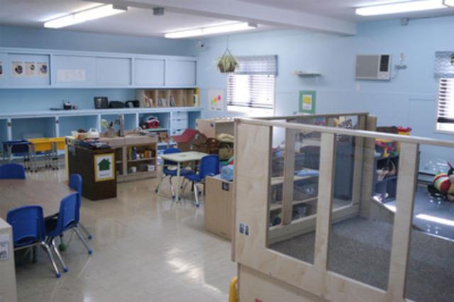 Photo de la salle de classe après les rénovations. Moncton Headstart a procédé aujourd'hui au dévoilement de trois salles de classe qui ont été rénovées et dotées de nouveau matériel à la suite d'un don de 65 000 $ US de la Fondation UPS. (Groupe CNW/UPS Canada Ltee.)