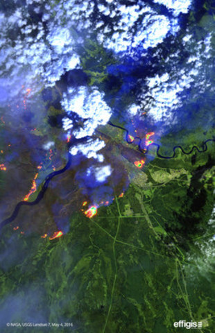 Effigis makes available to the media satellite images that show the extent of the Fort McMurray forest fire (CNW Group/Effigis Géo-Solutions inc.)