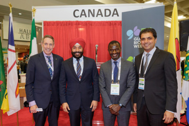 Merck Canada Inc. and Innovative Targeting Solutions Inc. announce a new research partnership. From L to R: Andrew Casey, CEO, BIOTECanada; The Honourable Navdeep Bains, Minister of Innovation, Science and Economic Development, Government of Canada; Chirfi Guindo, President and Managing Director, Merck Canada Inc.; Paul Kang, Chief Science Officer, ITS. (CNW Group/Innovative Targeting Solutions Inc.)