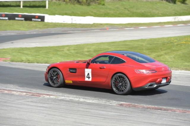 Pirelli, partenaire officiel des programmes de conduite de Mercedes-Benz Canada pour les pneus (Groupe CNW/Mercedes-Benz Canada Inc.)