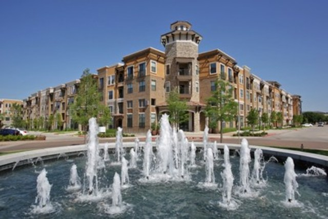 Corner view of Pure Multi's acquisition: the Amalfi Stonebriar in Dallas, Texas (CNW Group/Pure Multi-Family  REIT LP)