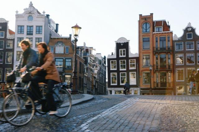 Explorez votre destination à pieds ou en louant des vélos pour économiser de l'argent (Groupe CNW/Hotels.com)
