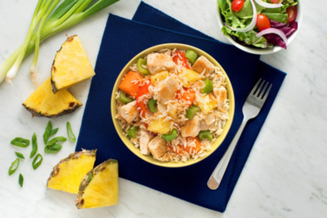 Chicken Fried Rice with a Pineapple Punch! – recipe courtesy of UNCLE BEN'S® (CNW Group/UNCLE BEN'S® Canada)