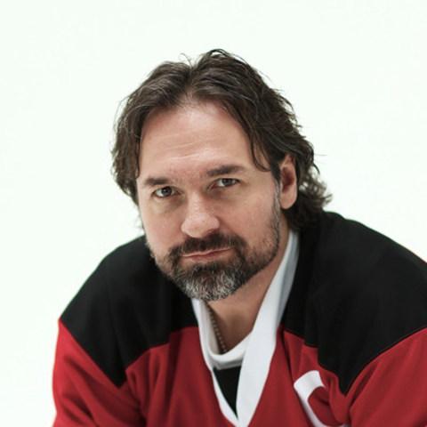 Darcy Tucker, ancien joueur de la LNH et gagnant à trois reprises de la Coupe Memorial MasterCard (Groupe CNW/Collins Barrow National Cooperative Incorporated)