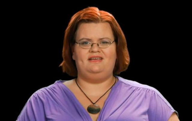 Témoignage vidéo : Marie-Claude, une jeune femme de 29 ans, livre un témoignage touchant dans son combat contre l'obésité morbide et lance un message d'espoir à ceux qui comme elle souffre d'obésité morbide.
