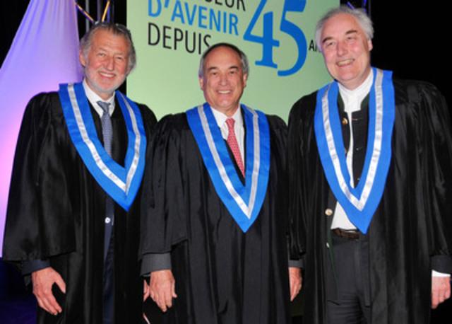 De gauche à droite : Pierre Gagnaire, Jacques Parisien et Hervé This, récipiendaires de diplômes honoris causa de l'ITHQ (Groupe CNW/Institut de tourisme et d'hôtellerie du Québec)